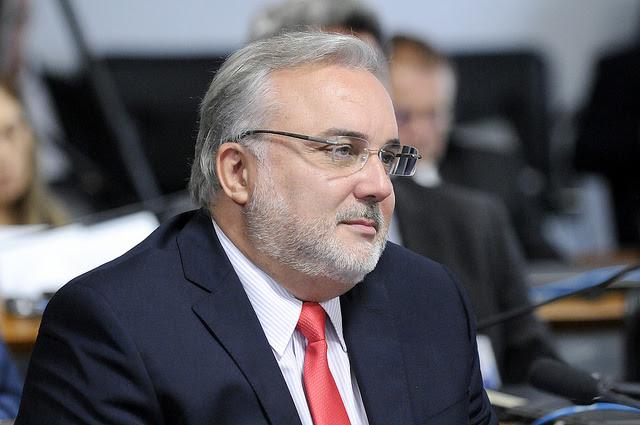 Jean-Paul quer suspender decreto que libera posse de armas no Brasil