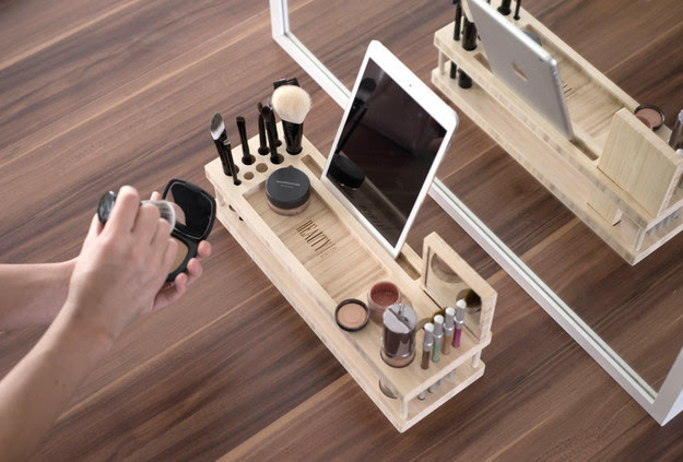 AD-6-Makeup Organizer With iPad Tray