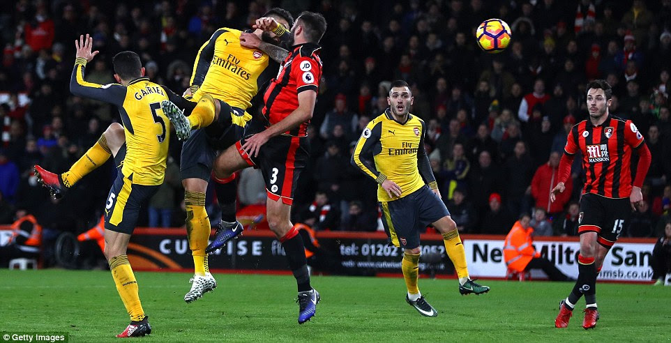 Olivier Giroud made it 3-3 in stoppage time with this header to earn Arsenal a point in this Premier League encounter