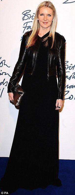 Mantendo-o simples: Samantha Cameron e Amanda Wakeley ambos usavam roupas pretas como eles colocados no tapete azul