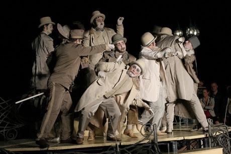 http://teatrulmasca.files.wordpress.com/2012/06/7324388538_f006db5846.jpg?w=460