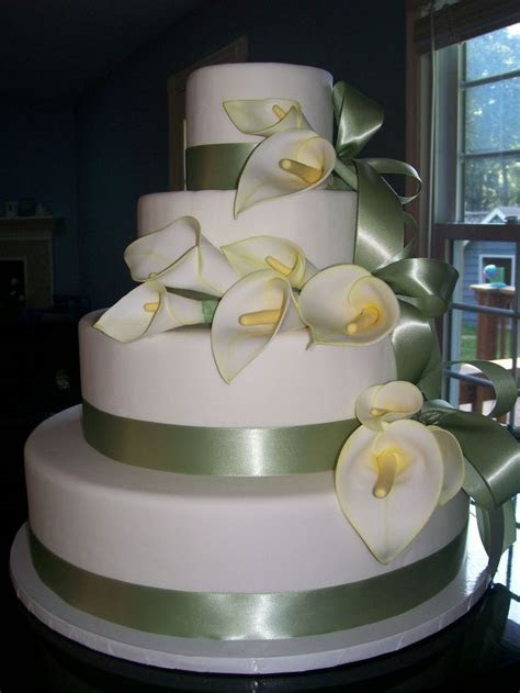 17 Best images about Calla lily wedding cakes on Pinterest