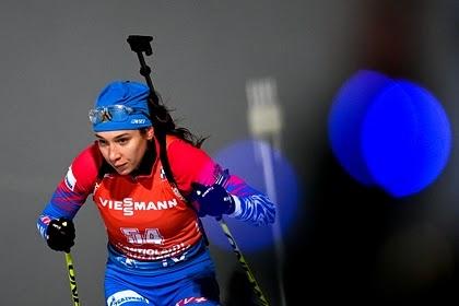 Российские биатлонистки взяли золото в эстафете на этапе Кубка мира