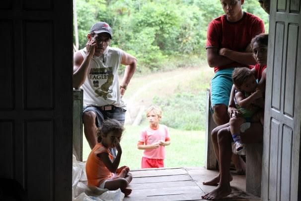 Moradores de Tres Bocas: a preocupação é com a sobrevivencia das próximas gerações