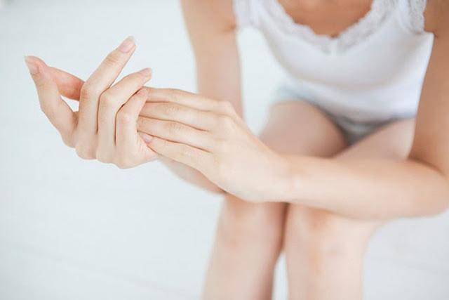 Việc chăm sóc đôi bàn tay cũng quan trọng như chăm sóc mặt, tóc, thậm chí là hơn nữa. (Ảnh: Internet)