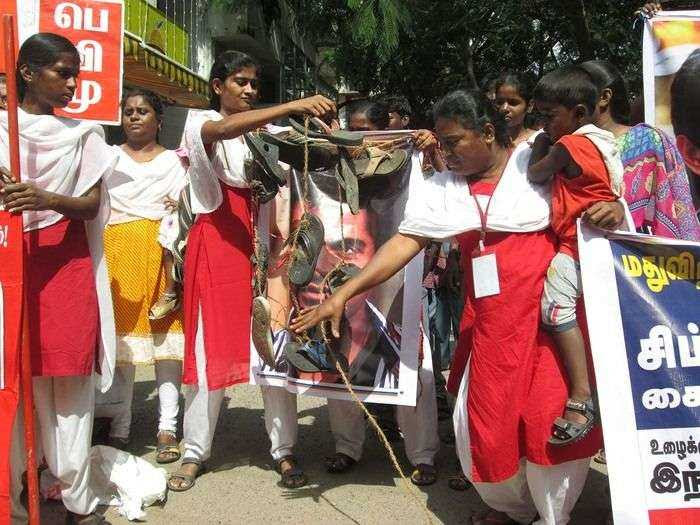 protest-against-simbu-aniruth-3
