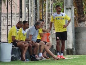 Resenha dos jogadores do ABC (Foto: Alexandre Filho/GloboEsporte.com)