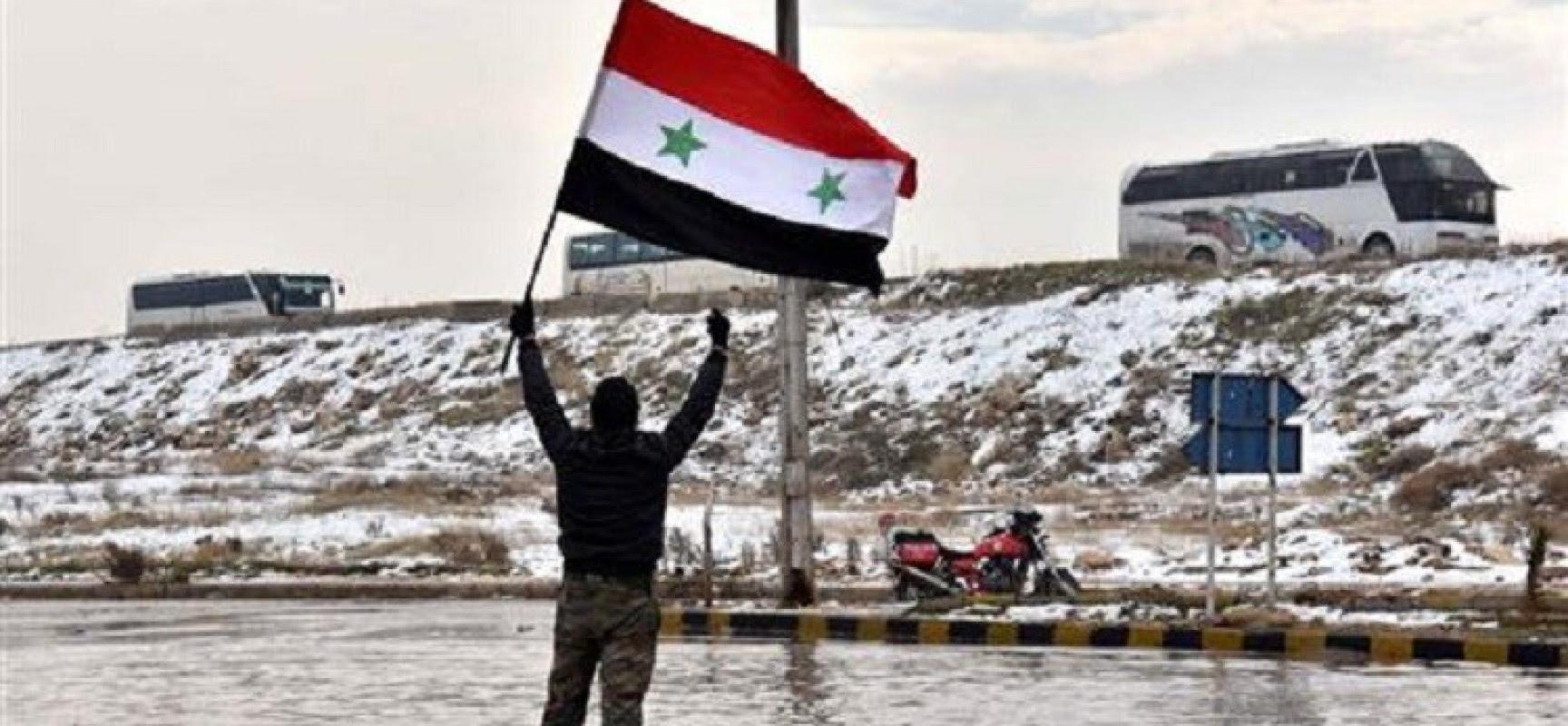 Alep de l'est dévoile les horreurs des rebelles: des charniers, des mines, des engins explosifs et un arsenal énorme (vidéos)