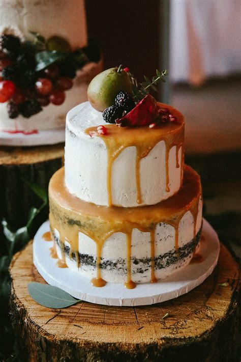 The Hottest Trend in Wedding Desserts: Drip Cakes   Green