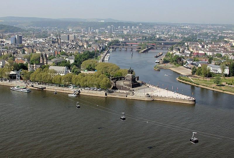 File:Koblenz im Buga-Jahr 2011 - Deutsches Eck 01.jpg