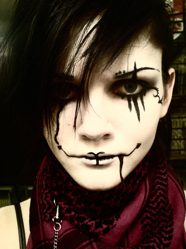 Easy Face Painting Ideas 20 Cool And Scary Halloween Face