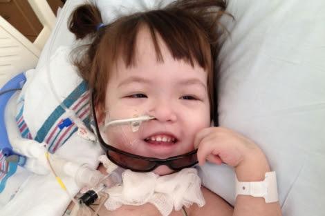 La paciente, después de haber sido intervenida.   Hospital Infantil de Illinois