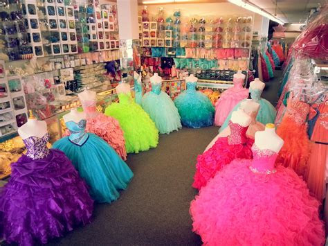 Quinceanera dresses and dress shops in Chicago IL   15