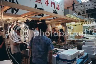 Un equip de la tele al mercat de Tsukiji