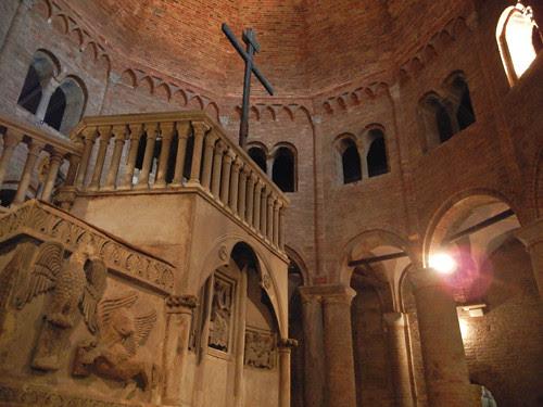 DSCN4883 _ Basilica Santuario Santo Stefano, Bologna, 18 October