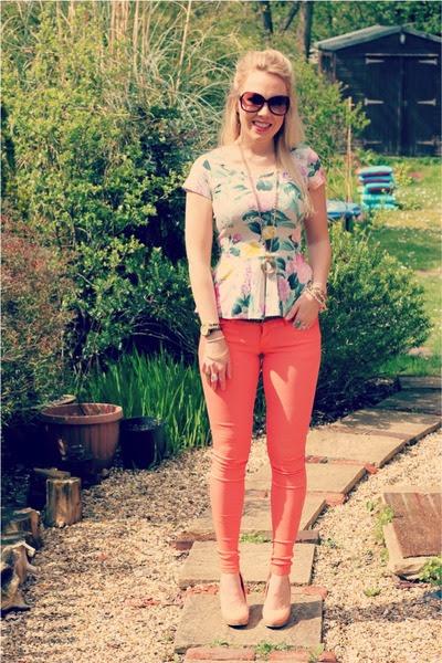 Orange-skinny-omgfashion-jeans-floral-peplum-h-m-blouse_400