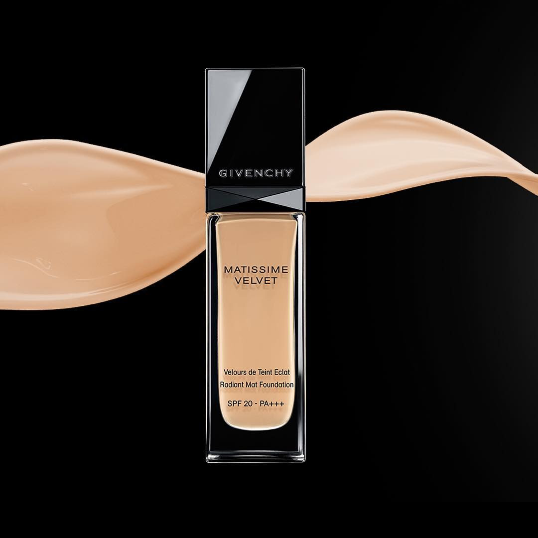 Givenchy Matissime Velvet Radiant Mattifying Fluid Foundation