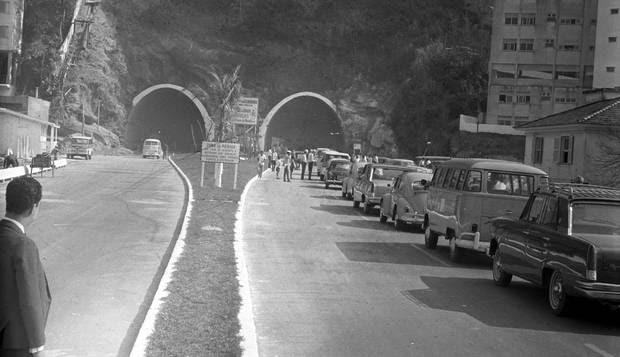 Resultado de imagem para tunel rebouças dia da inauguração