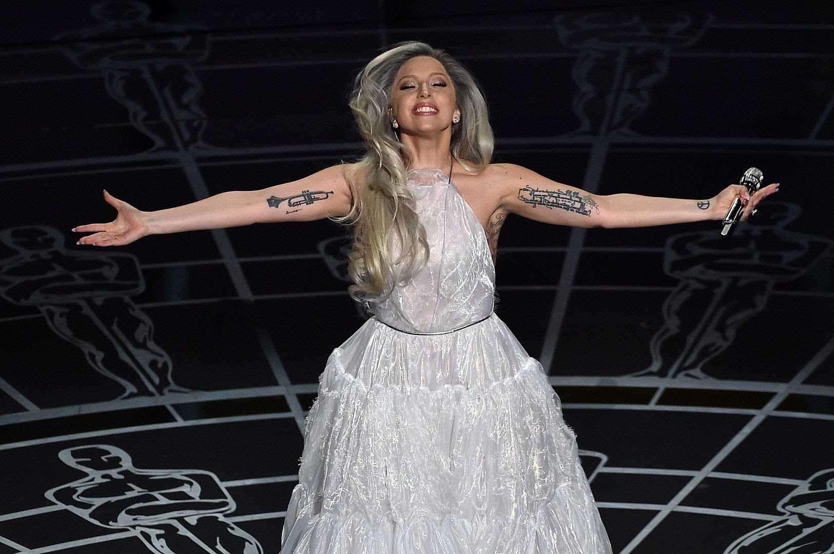 2015 Oscars photo lady-gaga-oscar-sound-of-music.jpg