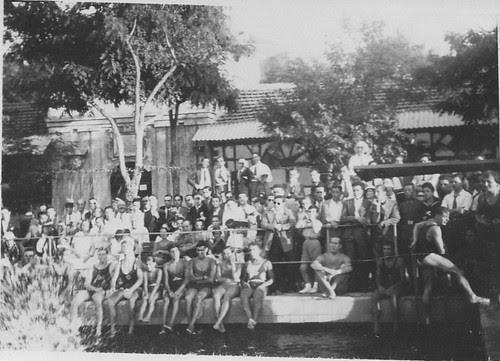 Piscina de la Escuela de Gimnasia de Toledo en 1935.  Fotografía de Eduardo Butragueño Bueno