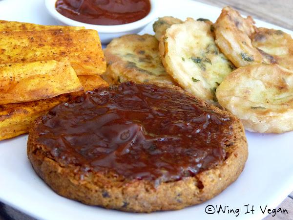 Bianca's BBQ Black-Eyed Pea Burger (Vegan Crunk)