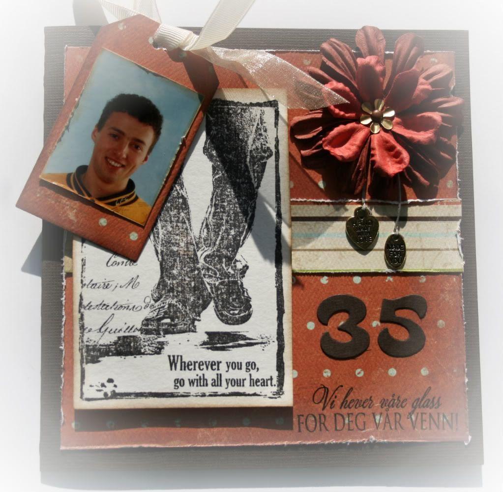 Detaljer av tag'n - et gammelt passfoto av ham som jeg fant, hi-hi!
