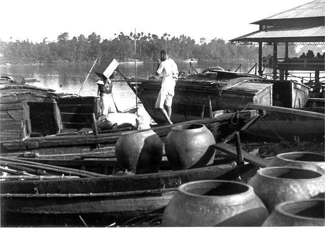 VIETNAM 1920-30, Photo by Charles Peyrin (41) - Chợ cá Thủ Dầu Một