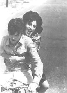 Anna Magnani e Ettore Garofalo in Mamma Roma