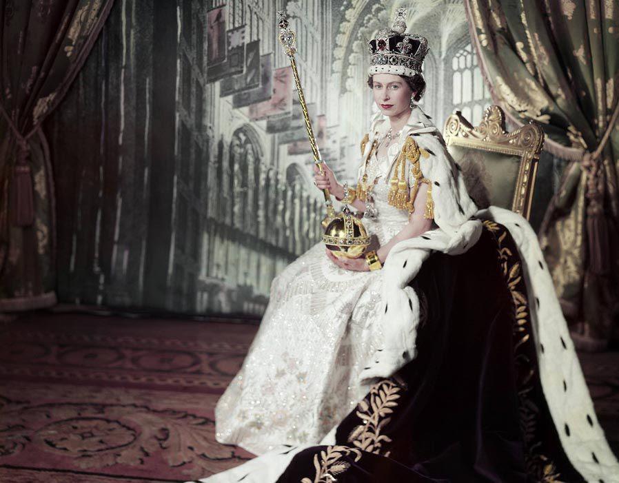 Znalezione obrazy dla zapytania queen elizabeth II coronation