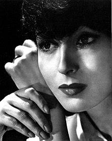 Luise Rainer 1936.jpg