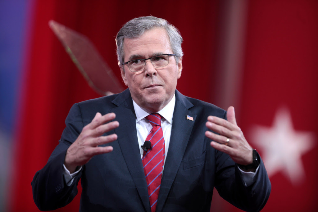 يقول جيب بوش إبقاء أخيه لنا آمنة، ولكن يتم تقسيم الناخبين بشأن هذه المسألة.  (صورة عبر فليكر)