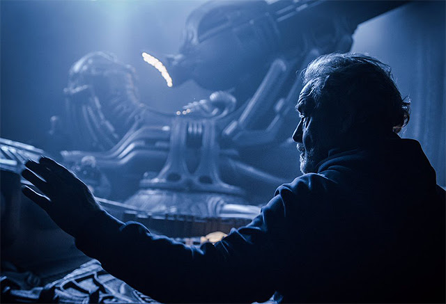New picture of Ridley Scott on the set of Alien: Covenant