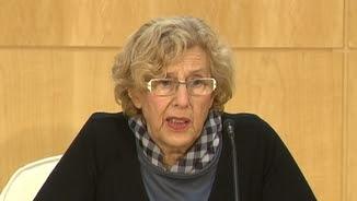 Manuela Carmena durant la roda de premsa