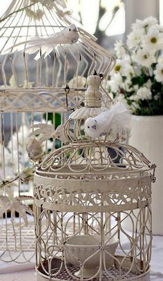 Jaulas de pájaros Que lamentable Tienen elegante 2 de Ellos a la Espera de la Inspiración ... y SÓLO PODRIA PONER Luces en el interior.