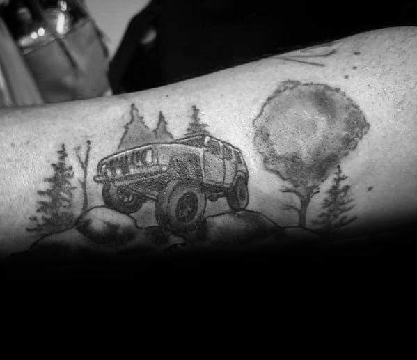 Tatuagens temáticas masculinas do jipe