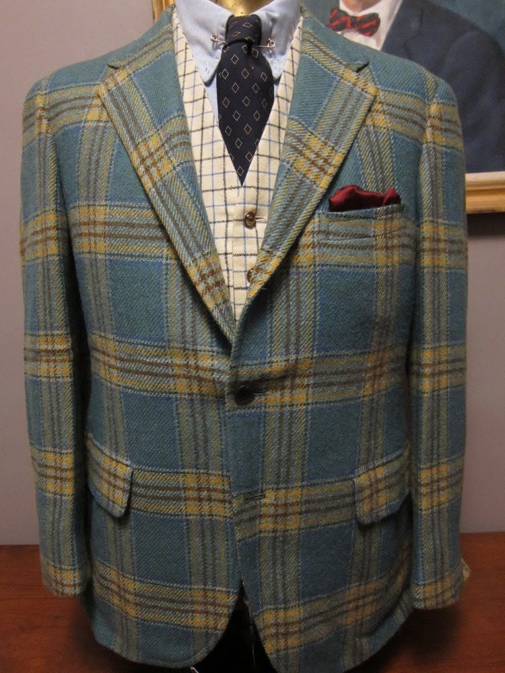 1960s Saks Light Blue Plaid Tweed Sack Sportcoat 40S