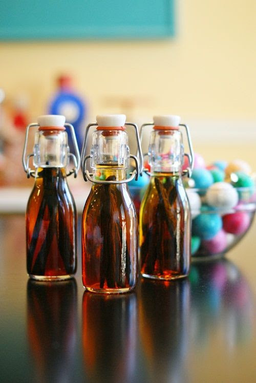 DIY vanilla extract ... great homemade gift!