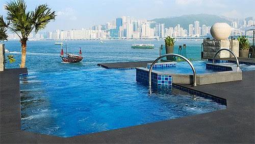 hotel-pools-1_1473345i
