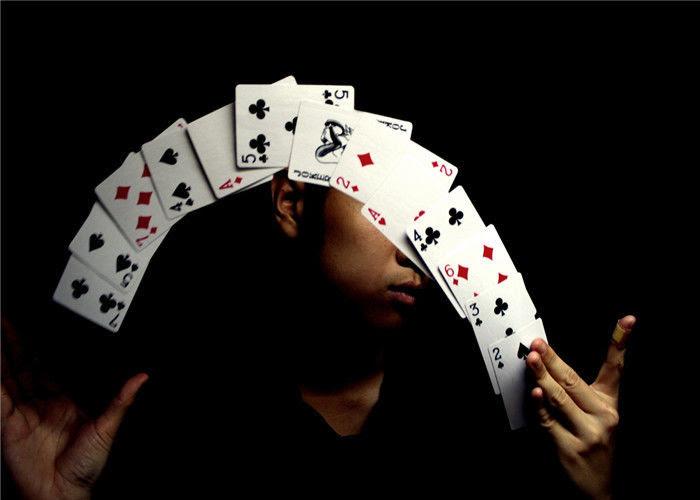 Kebajikan di Balik Permainan Kartu Remi