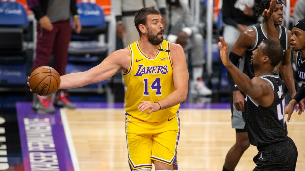 Gasol set to return to Spain after being waived by Grizzlies