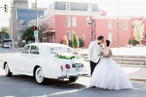 Stop! ? Read These Top 10 Wedding Transportation Tips for 2018
