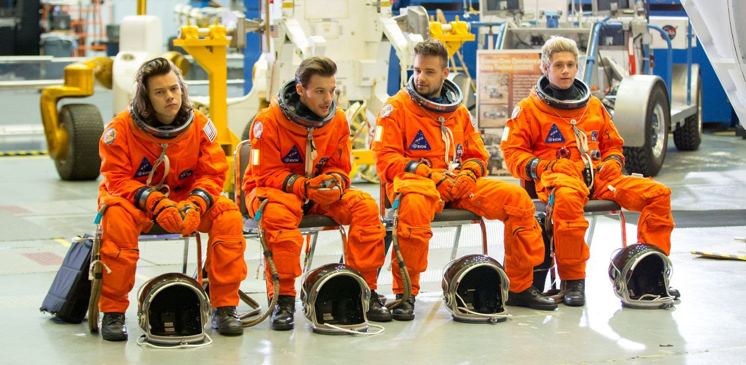 One Direction photo one-direction-drag-me-down-music-video-behind-the-scenes-social.jpg