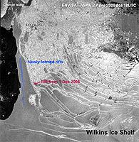 Envisat detects new rifts on ice bridge