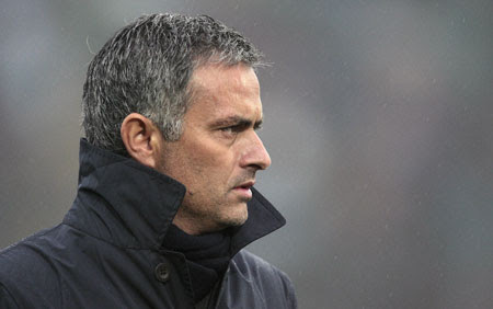 http://equaliserblog.files.wordpress.com/2010/08/mourinho.jpg