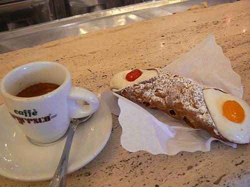 café et cannoli.jpg