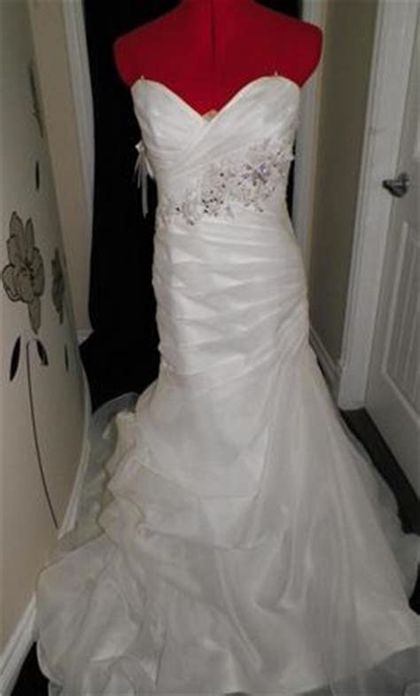 Alfred Angelo 2083, $225 Size: 6   Used Wedding Dresses