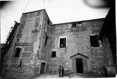 Palacio de Munárriz durante su restauración el 6 marzo de 1959. Foto Rodríguez