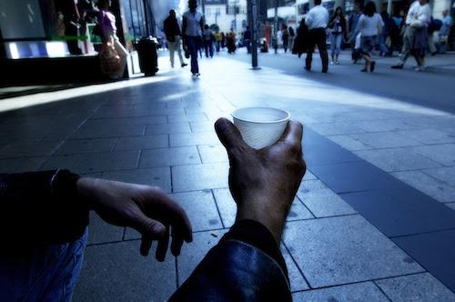 Κάτω από το όριο της φτώχειας ζούσαν 2,3 εκατ. Έλληνες το 2010. Σήμερα;