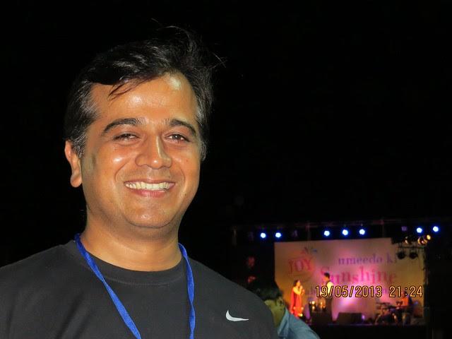 Sameer Desai, Seagull Advertising, at Bela Shende Live at the Launch of Mont Vert Homes' Sunshine Joy, 1 BHK & 2 BHK Flats at Pirangut Chowk, Pune 412108