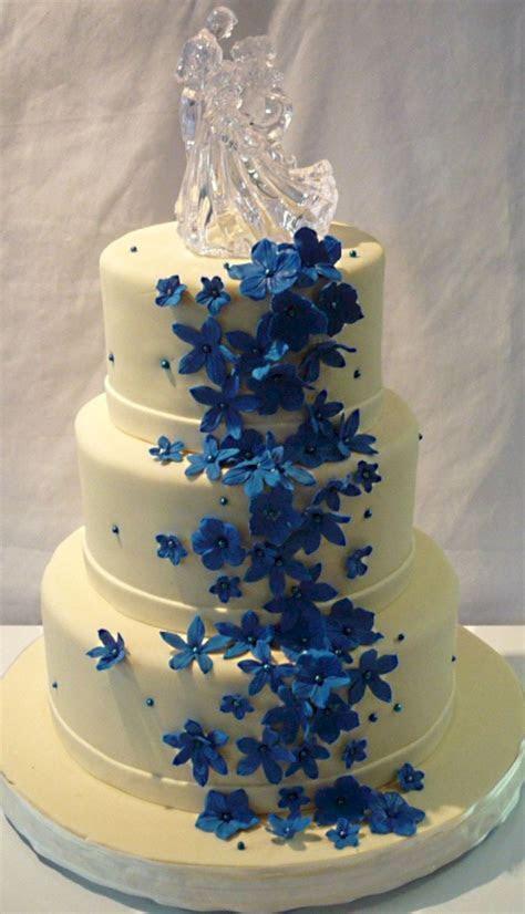 Stunning royal blue wedding cake designs (4)   VIs Wed